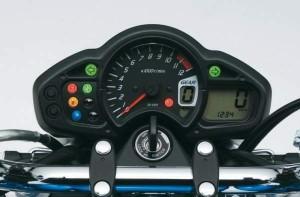 Suzuki SFV 650 Gladius 09 5